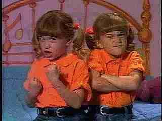 gemelos graciosos gif