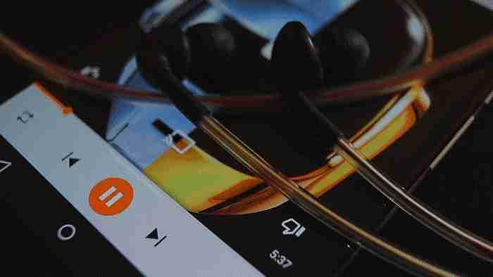 audífonos de neón