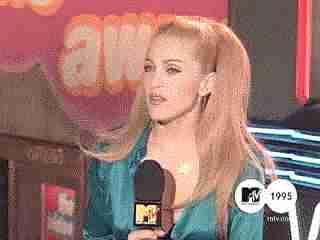 Courtney Love le arrojó su compacto a Madonna