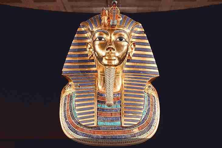busto de tutankamon