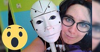 Mujer desea casarse con su robot