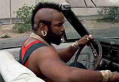 Mr T en un auto