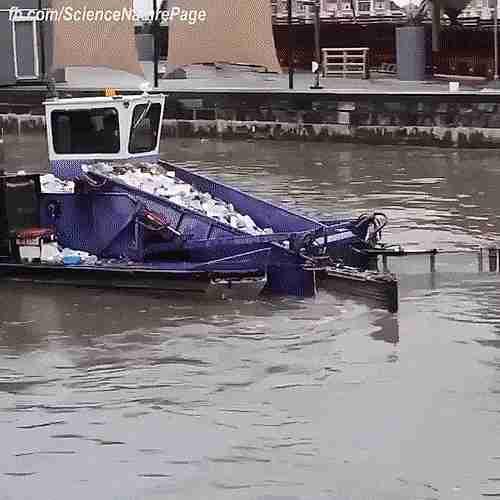 bote-recolector de basura