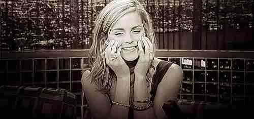 gif Emma Watson apenada