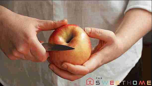 pelar fruta
