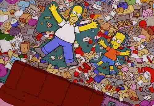 gif nadando en la basura