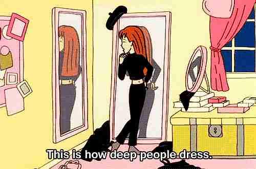 Chica viendose al espejo