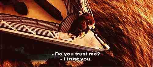 """escena de titanic con texto """"¿Confías en mi?"""" """"Confío en ti."""""""