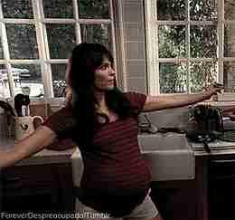 embarazada bailando gif