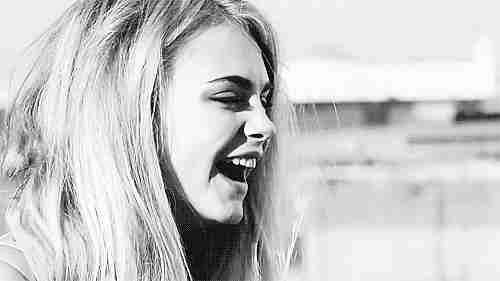 chica riendo