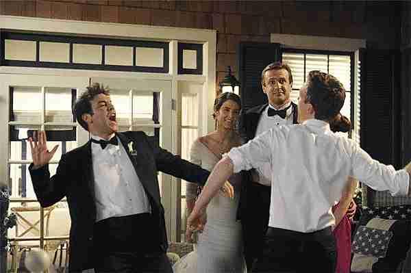Ted y Barney chocando manos