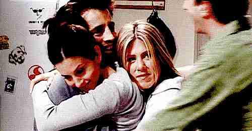 abrazo grupal friends