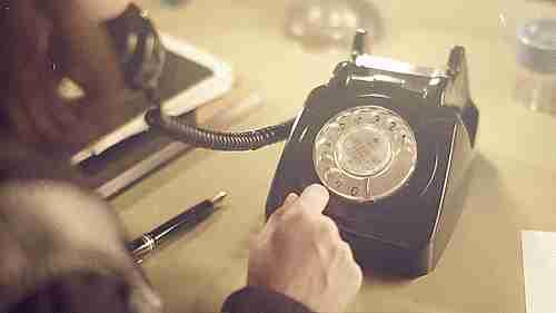 llamando
