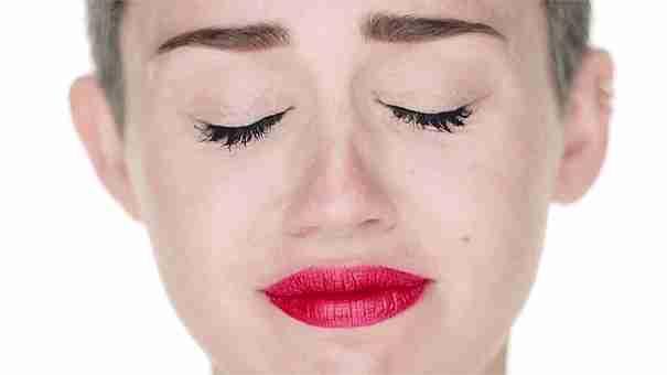 Miley a punto de llorar