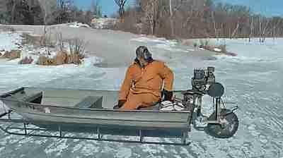 bote sobre hielo
