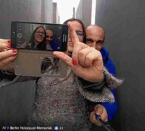 selfies en campos de concentración
