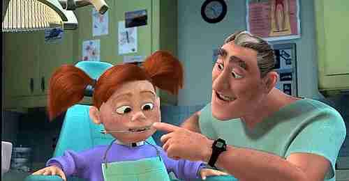 niña en el odontólogo